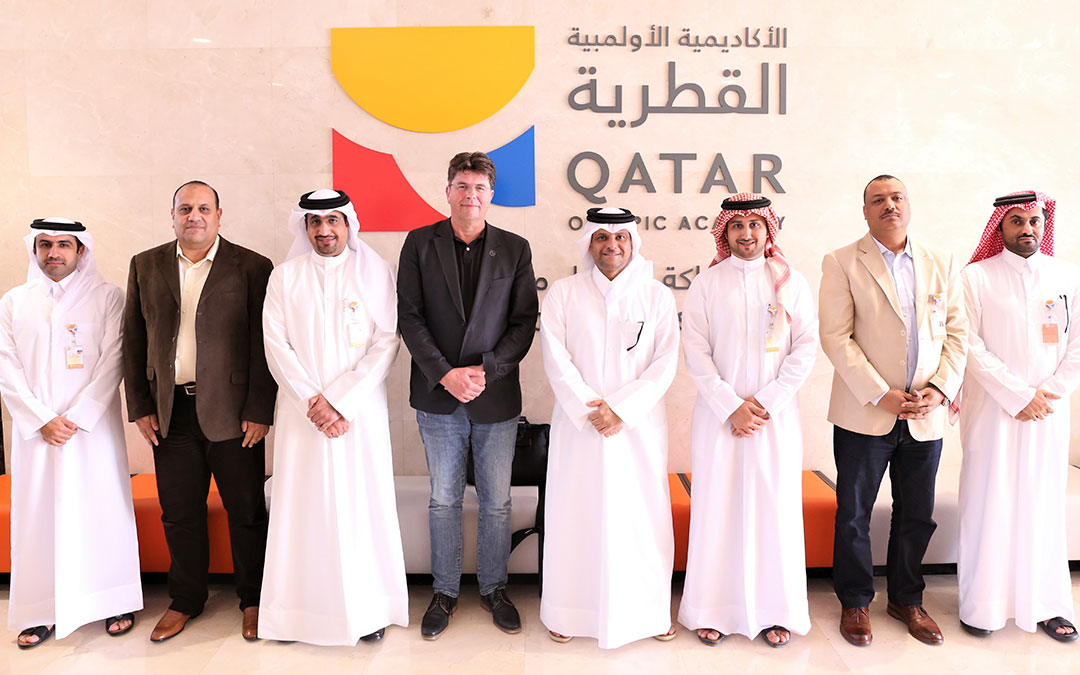 Roland Bischof visits Qatar in double mission