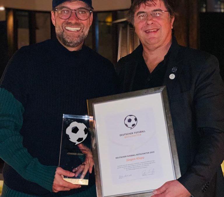"""Jürgen Klopp receives award """"German Football Ambassador 2019"""" in Doha, Qatar"""